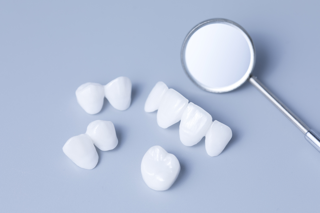 zirconia dentures is used for cosmetic purposes in dental clinics